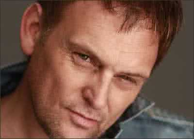 Steve Hofmeyr Does Neil Diamond